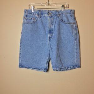 Vintage High Rise 505 Levi's Shorts